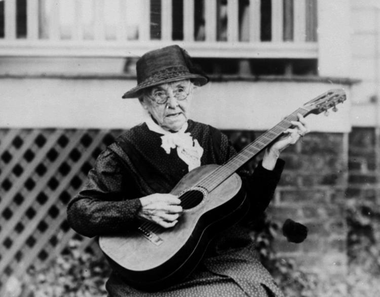 1922: Rebecca L. Felton
