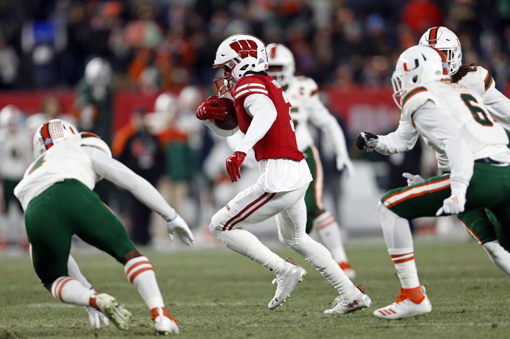 photos wisconsin badgers 35 miami hurricanes 3 college football