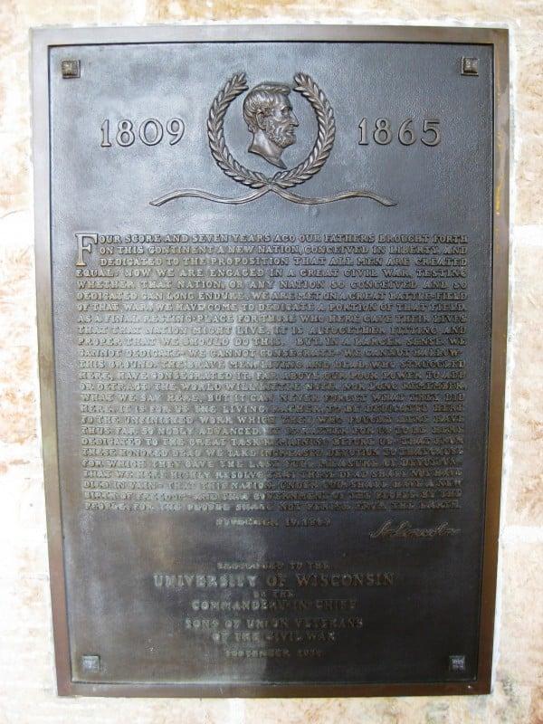 Gettysburg Address Lincoln Statue