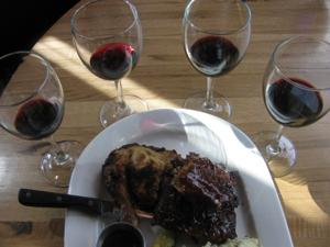Bonfyre American Grille: Red wine and barbecue
