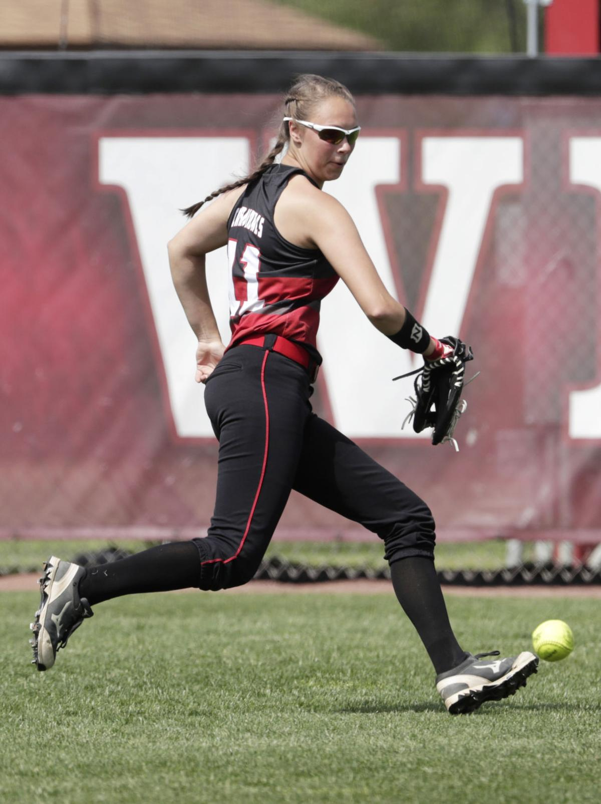 WIAA state softball photo: Stevens Point 6, Sun Prairie 0