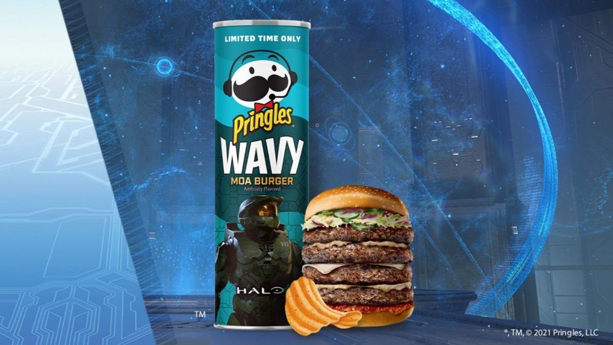 Pringles Wavy Moa Burger chips