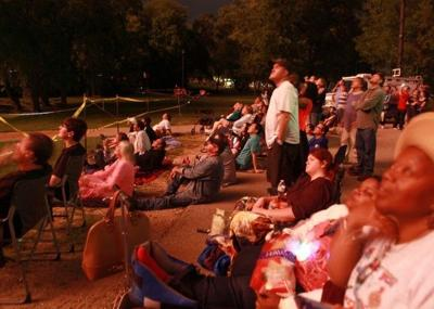 Rhythms Of Nature Without Booms >> Warner Park Fireworks An Improvement Over Old Rhythm Booms Say