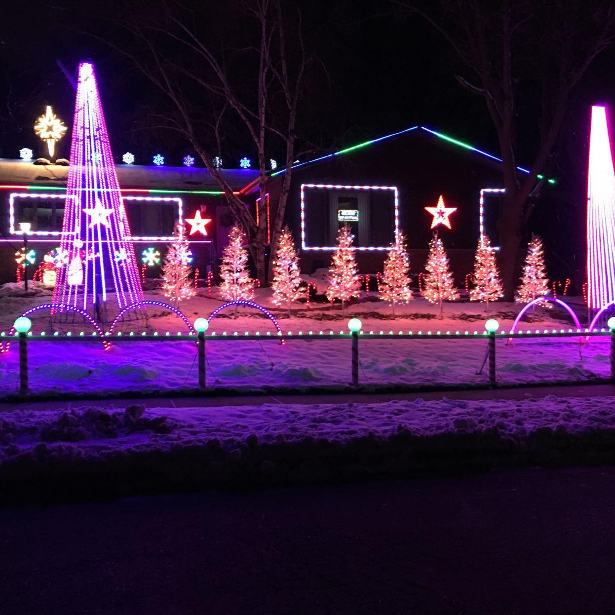 Christmas Lights Madison Wi 2020 Christmas light tourists don't want to miss Colony Drive display
