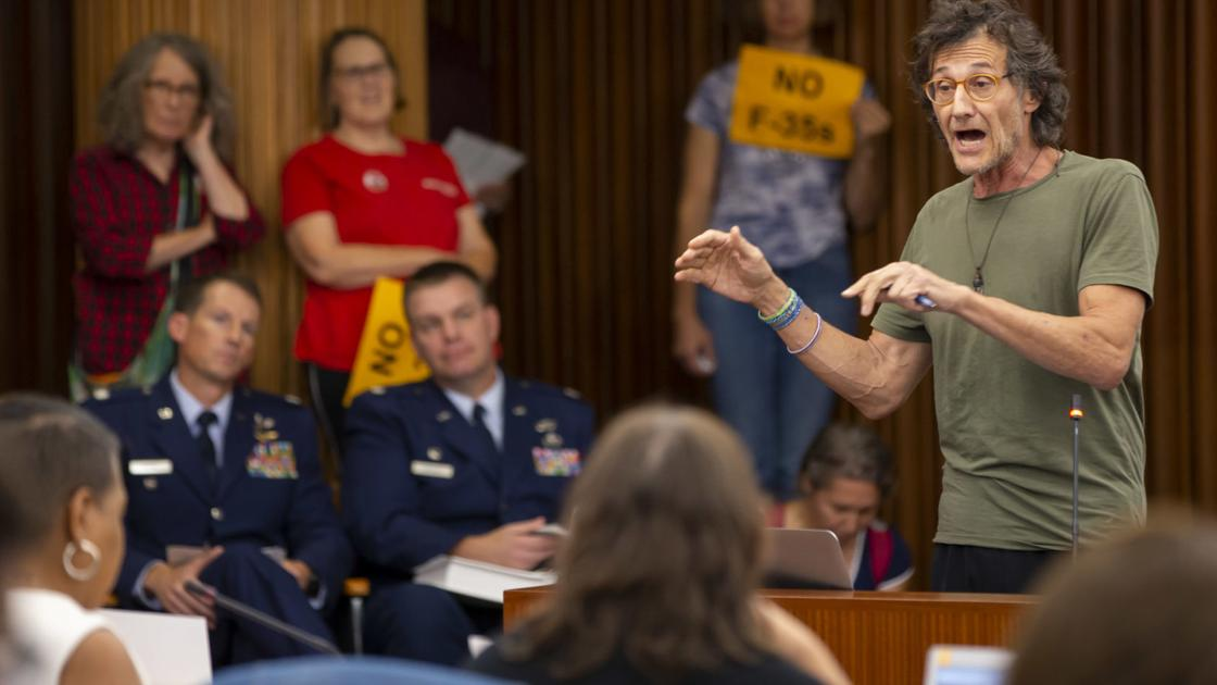 Madison City Council still deciding on whether to oppose F-35 jets