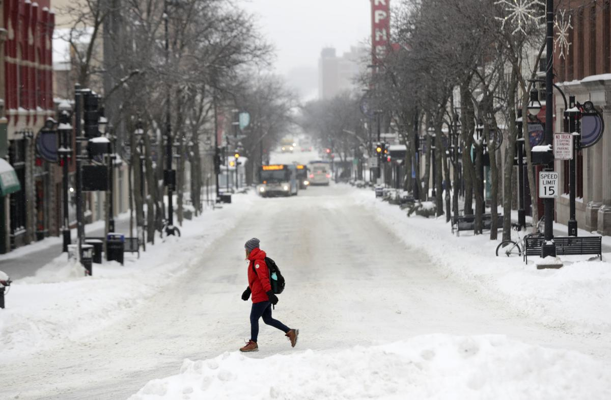 Crash Madison Plan State Street >> Schools Government Offices Closed By Snowstorm Roads Very Slick