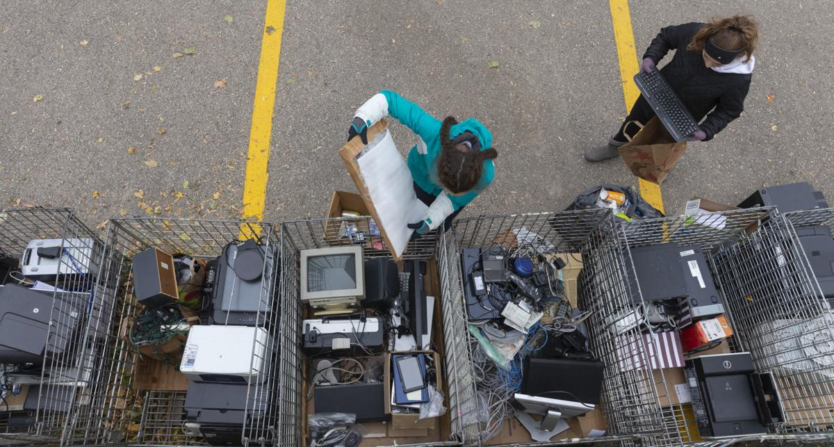 Students pitch in on electronics recycling drive