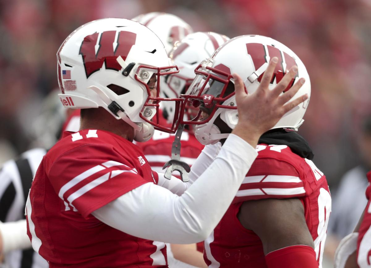 Badgers 38, Spartans 0