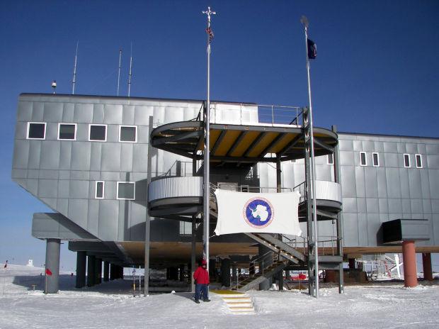 IceCube Antarctica