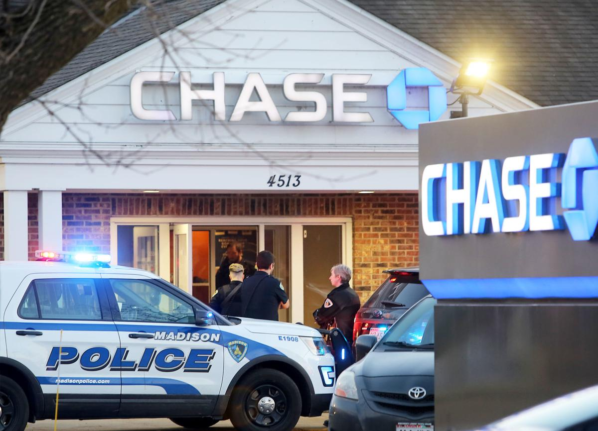 Fatal shooting during attempted robbery at Chase Bank