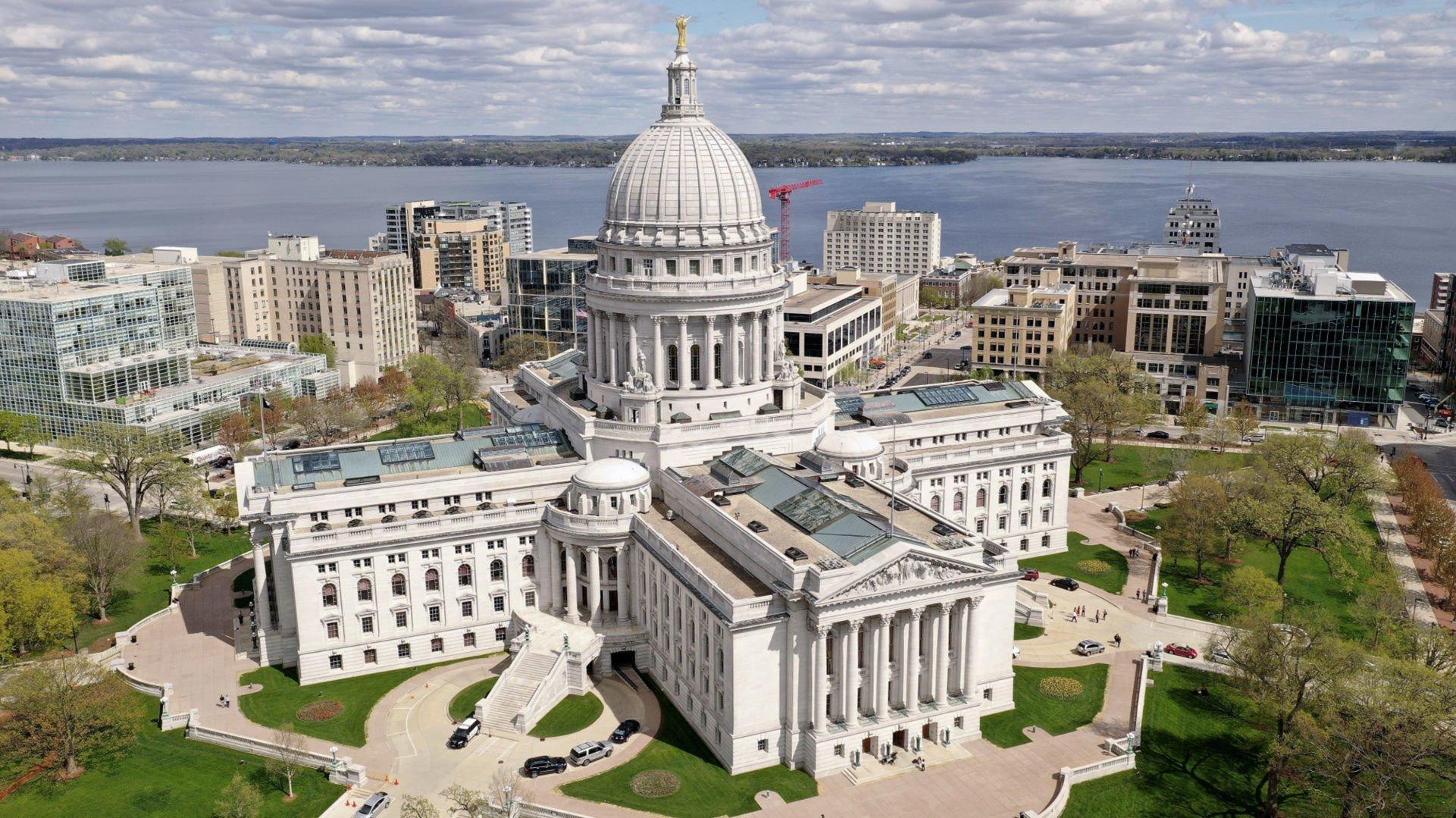 dating een Minor Law Wisconsin een goede profielnaam dating