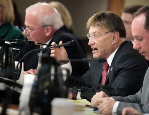 Former Senate President Mike Ellis dies at 77