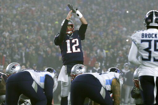 Tom Brady in loss to Titans, AP photo