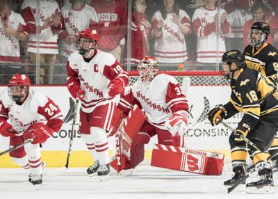 Wisconsin Badgers Again Have A Long Time To Stew On Big Men S Hockey