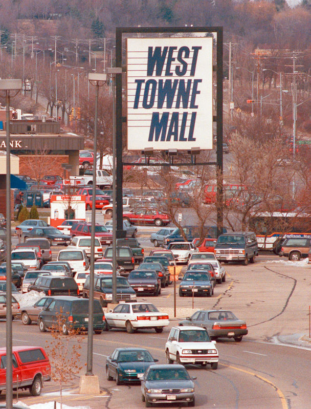 WEST TOWNE-SIGN 12 29 96