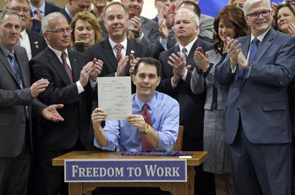 Gov. Scott Walker signs right-to-work bill