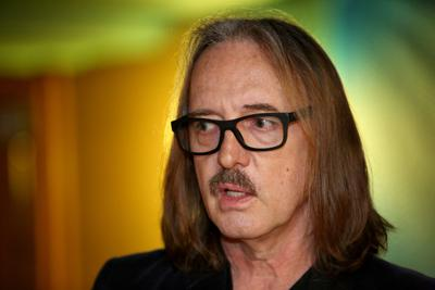 butch vig comes home to madison to boost new music conference music. Black Bedroom Furniture Sets. Home Design Ideas