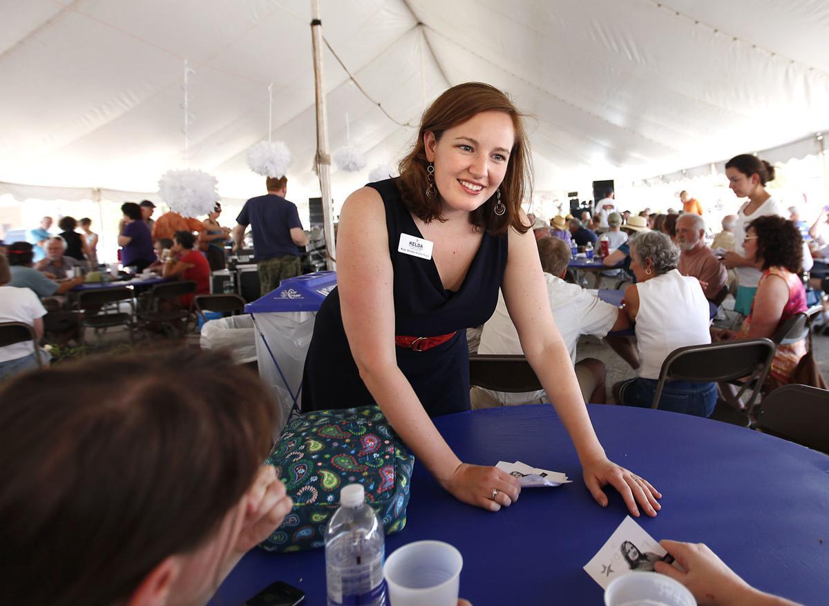 Democratic gubernatorial candidate breastfeeds daughter in new ad