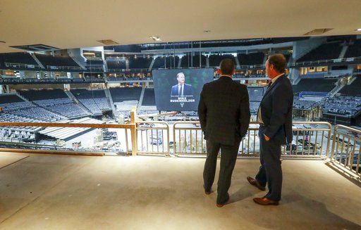 Mike Budenholzer, Jon Horst, Fiserv Forum, AP photo