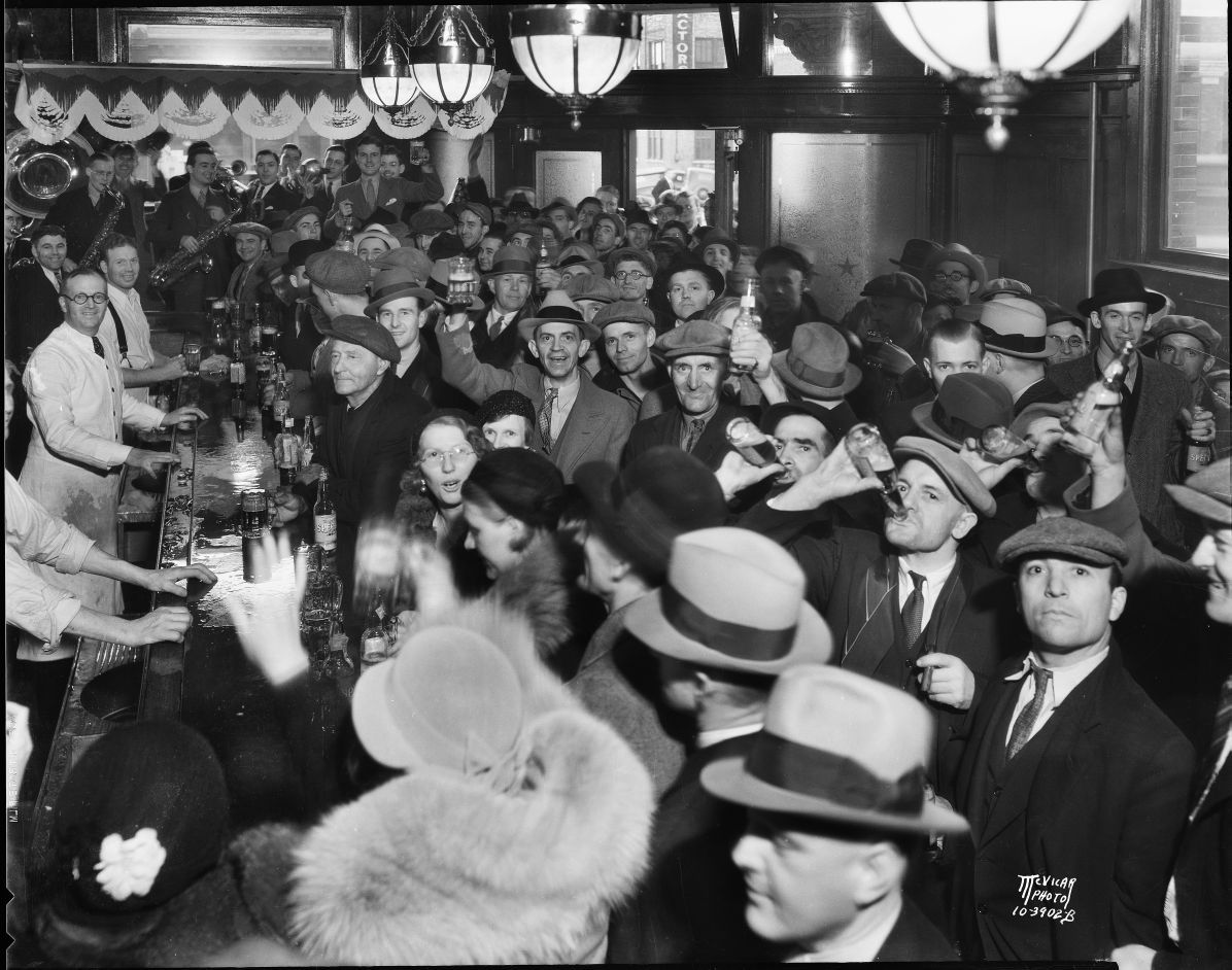 Fauerbach Brewery tavern crowd1.jpg