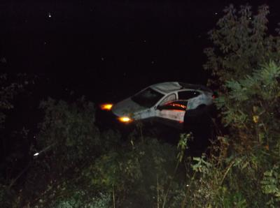 2 Madison residents escape injury in crash into pond in Vernon County