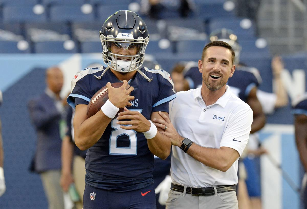 LaFleur-Mariota photo jump