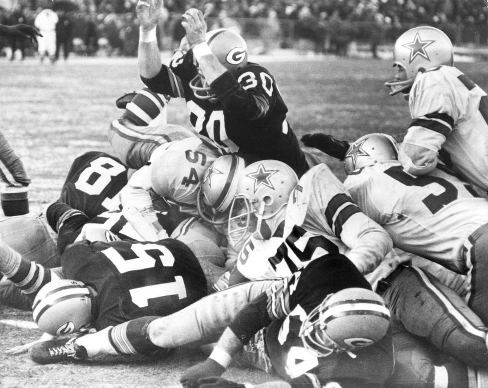 Ice Bowl cover photo, Bart Starr scores winning TD
