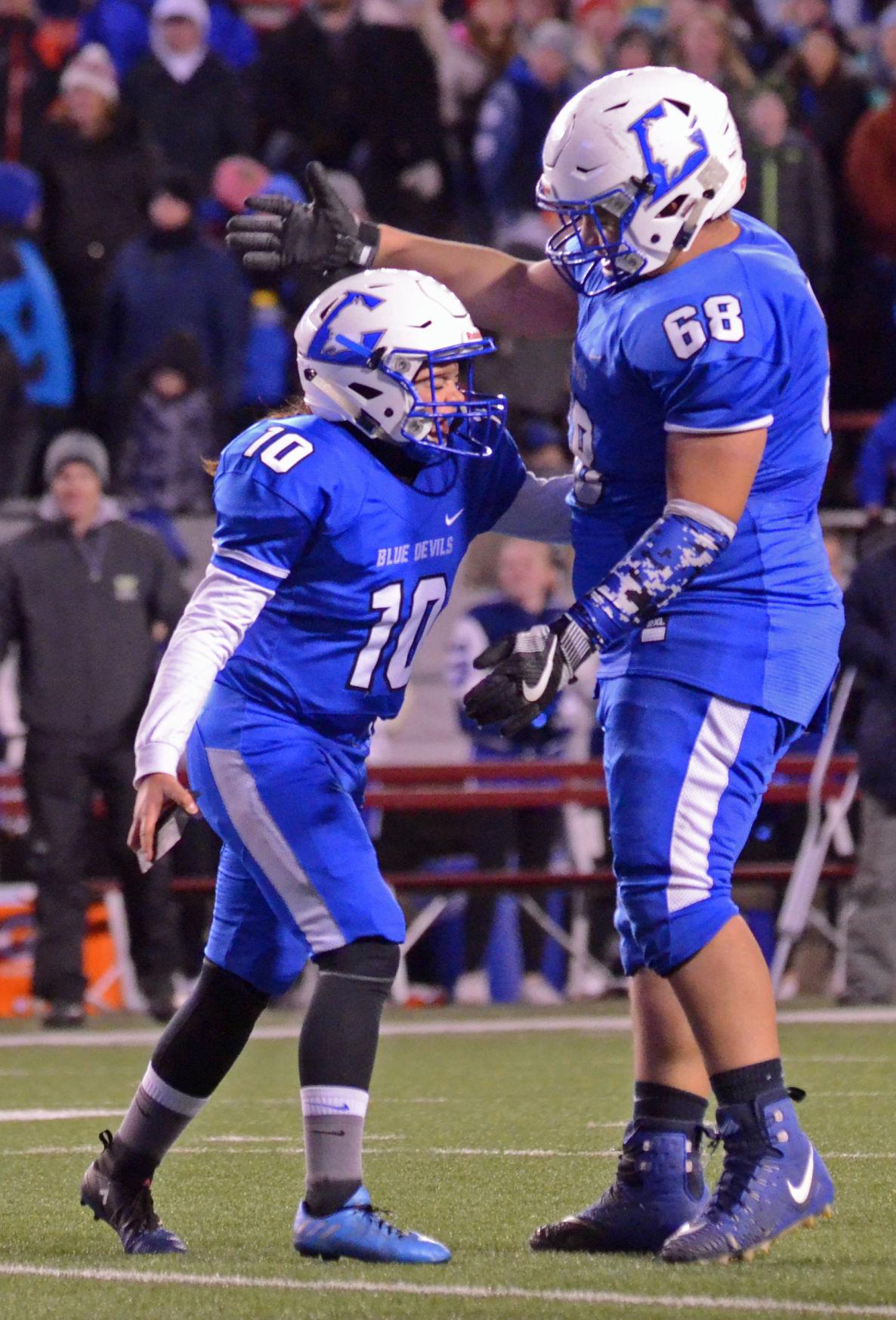 WIAA state football final: Lodi's Savannah Curtis and Tyler Leonard