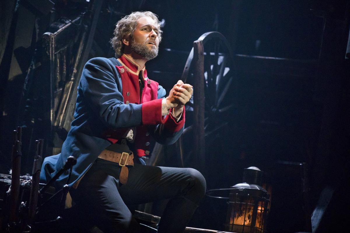 03_LM_TOUR_2385_Nick Cartell as Jean Valjean.jpg