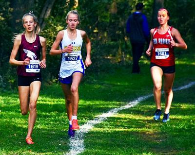 Prep girls cross country photo: Big Eight Conference leaders work for position