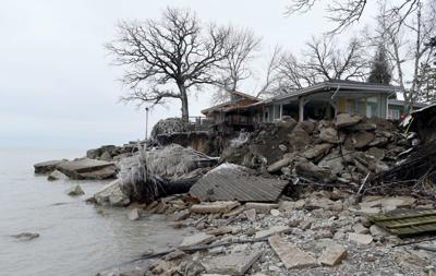 Erosion with big storm makes Pleasant Prairie lakefront house unlivable; neighbors fearful