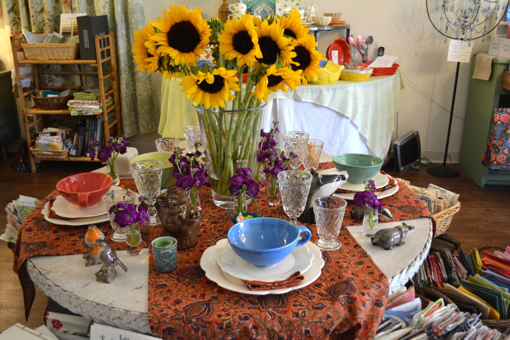 Forget Me Not table