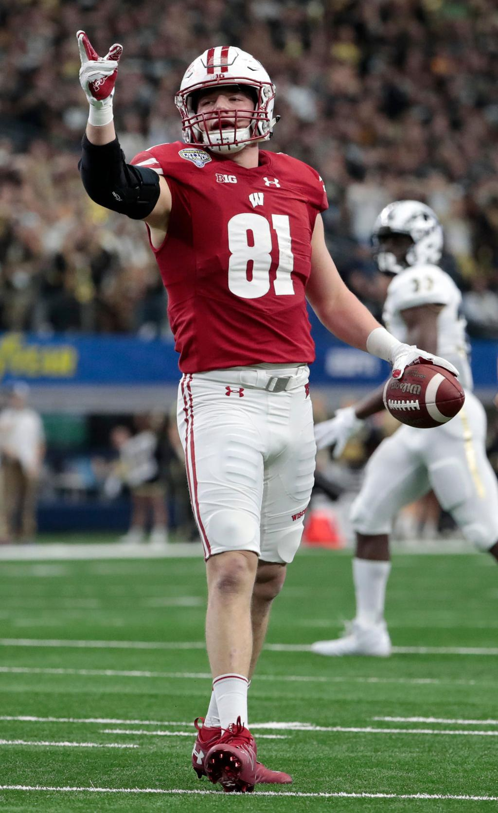 buy popular 9b7a9 87387 Badgers football: Tight end Troy Fumagalli named 2nd-team ...