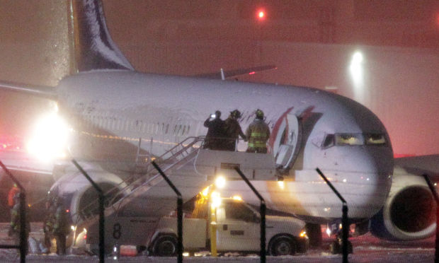 Delta jet slides off runway