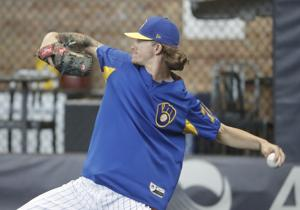 Brewers teammates have Josh Hader's back as he apologizes for offensive tweets