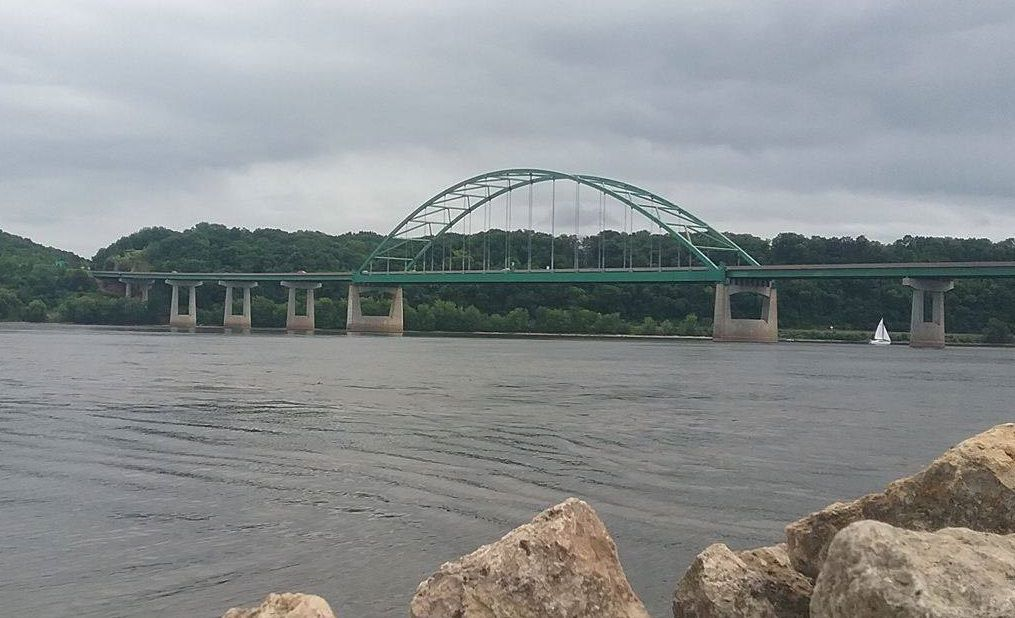 Dubuque-Wisconsin bridge