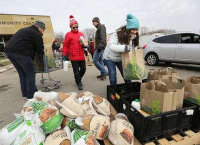 Turkey Stuffing And Pumpkin Pie Thousands Of Needy Get Food For