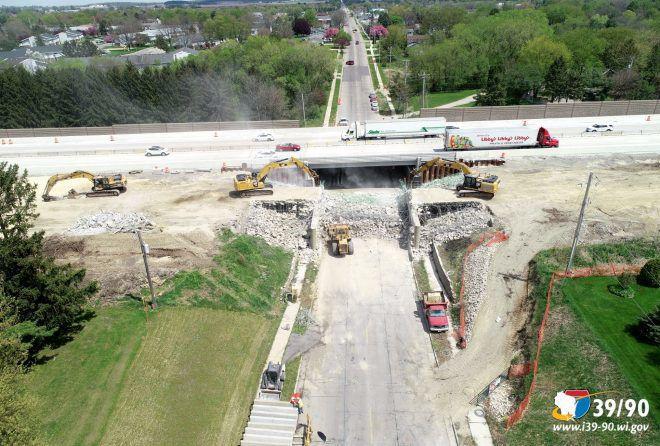 I-39/90 bridge over Zion Road in Janesville