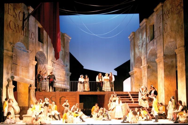 Carmen Act I