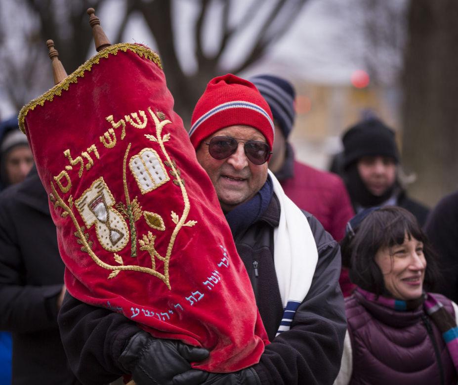 Torah procession 2