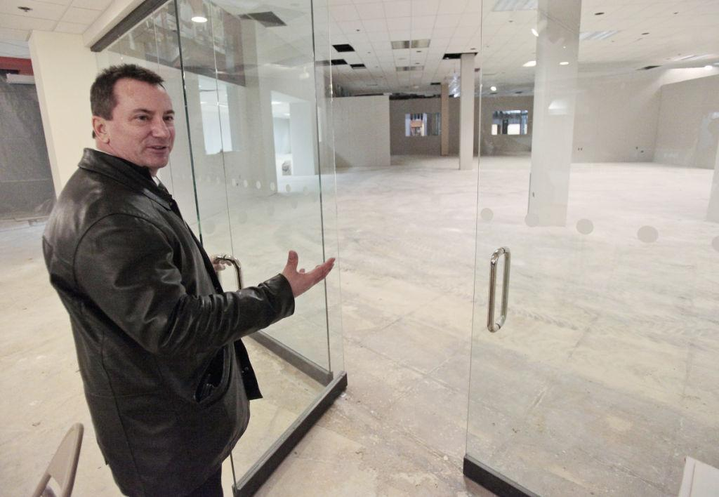 Fonti Family Returns To Madison And Sets Up In Former American Tv Beltline Store Business News Com