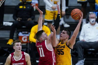 B10 Wisconsin Iowa Basketball