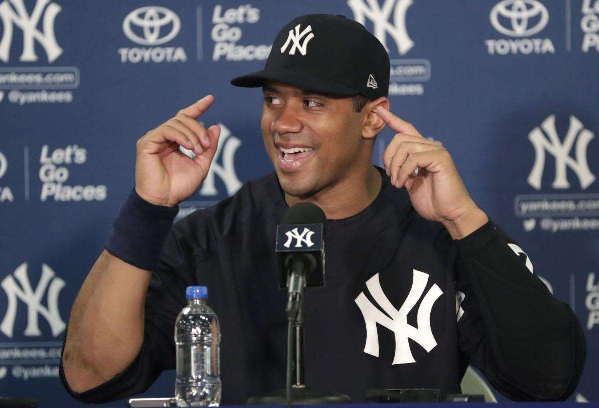 Russell Wilson Yankees newser 1, AP photo
