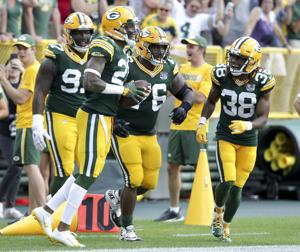Tom Oates: Packers defense folds under pressure against Vikings