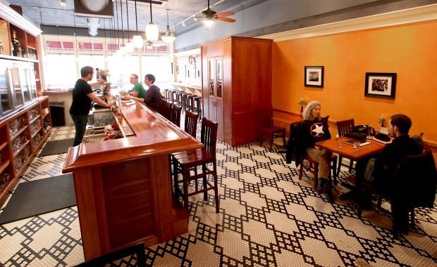 Brasserie V interior