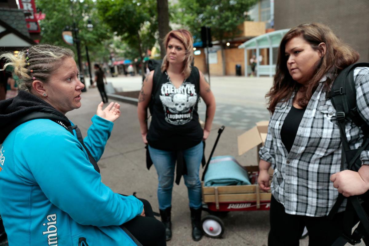 Alicia Sylvers, Lindsey Prazak and Tami Fleming