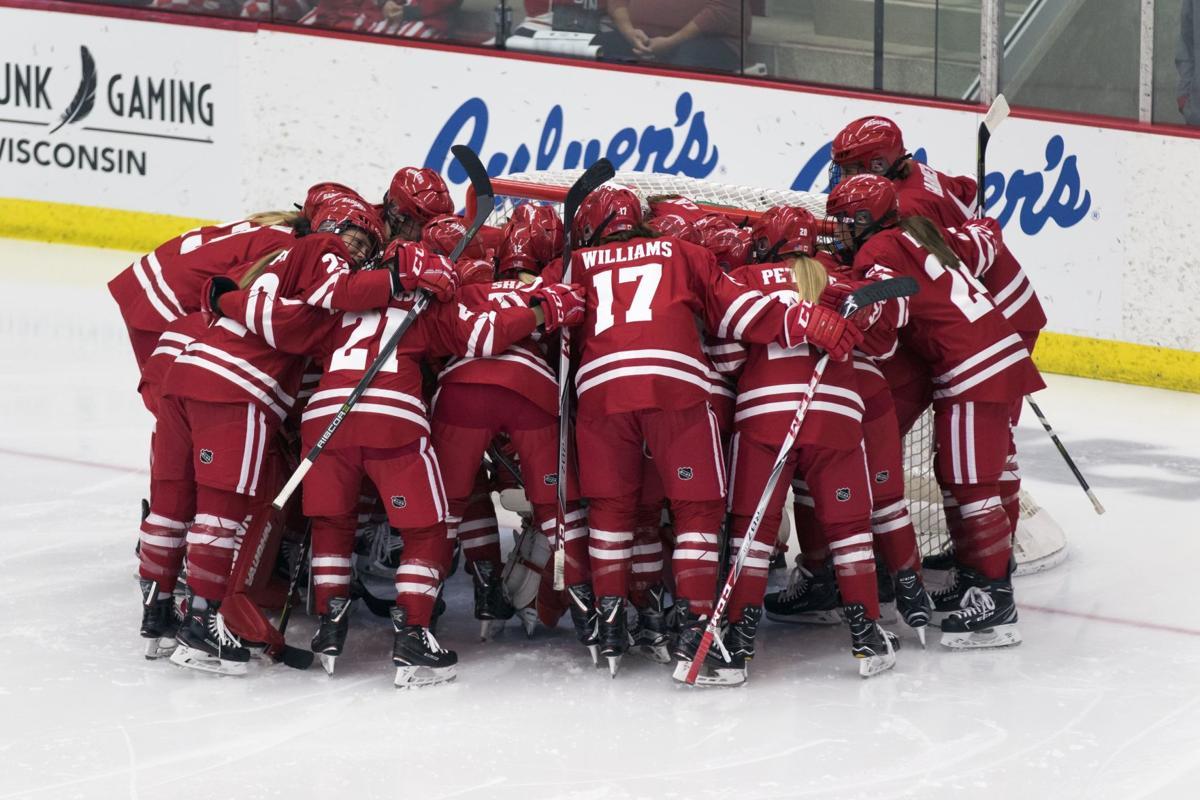 Badgers women's hockey huddle