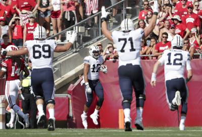 Wisconsin Badgers 21, BYU Cougars 24