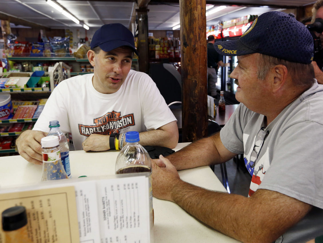 Scott Walker stops at the Washington General Store in New Hampshire