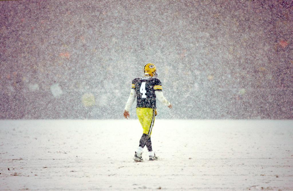 Patriots start season at No  1, Packers 16th in AP Pro32